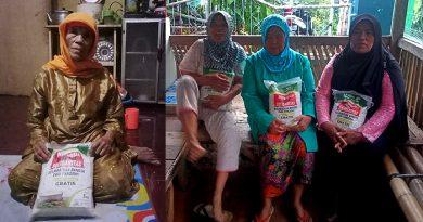 Brigade NKRI dan ACT Salurkan Bantuan Beras untuk Lansia di Garut